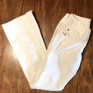 Candies White Jeans with great detail pockets